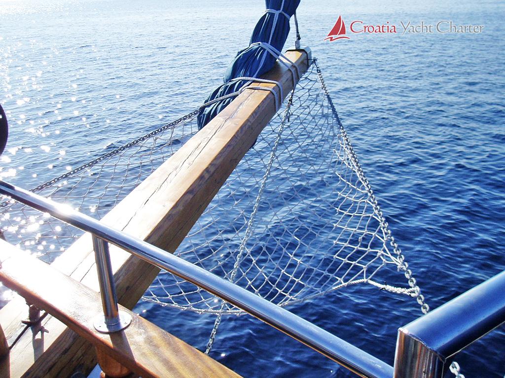 Crew Boats For Sale >> Croatia Yacht Charter - motor yachts, sailing boats, catamarans, ribs, gulets and motor sailers ...